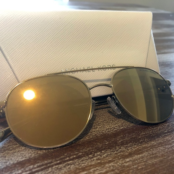 a1c9f1051b24 Michael Kors Accessories | Nwot Lon Rounded Aviator Sunglasses ...